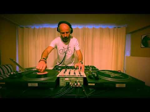Deep & Funky House Mix - Funkstar's House #17