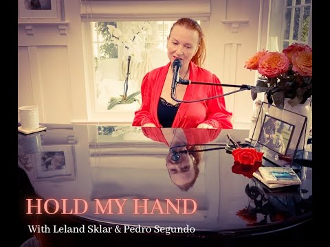 "Judith Owen - ""Hold My Hand"" with Leland Sklar and Pedro Segundo"