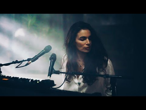 Yael Naim : Familiar (live from Release party)
