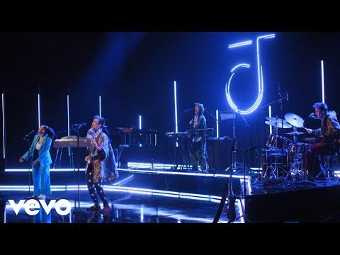 Jacob Collier - All I Need ft. Mahalia (Jimmy Fallon Performance)