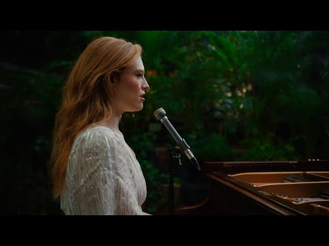 Freya Ridings - Holy Water (Live At The Barbican)