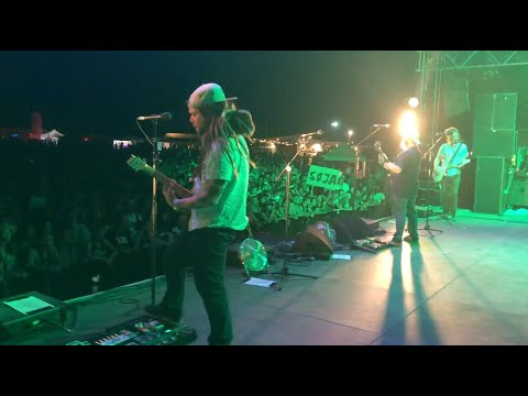 SOJA – Don't Dream It's Over (Crowded House Cover)