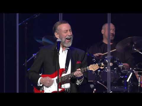 """Ray Stevens - """"Gitarzan"""" (Live at Casino Rama, 2015)"""