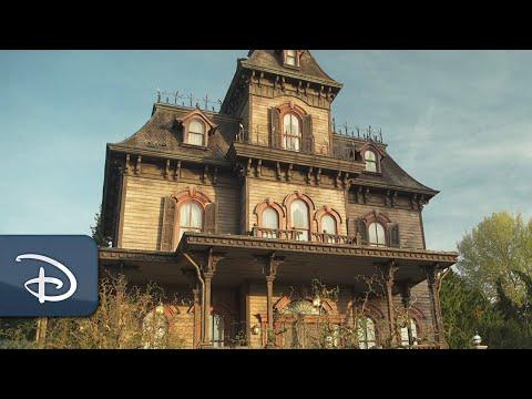 "Enter Phantom Manor on this Haunted ""Ride & Learn"" | Disneyland Paris"