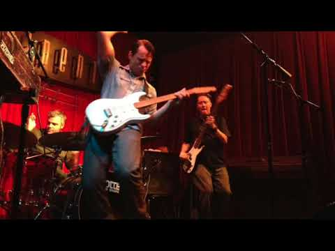 She Sells-Ian Moore and the Lossy Coils