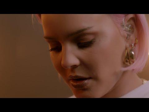 Anne-Marie x KSI x Digital Farm Animals - Don't Play [Official Acoustic Video]