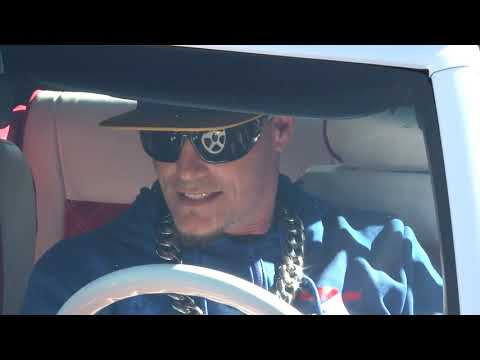 Vanilla Ice shows us his restored 50 Mustang 1080p