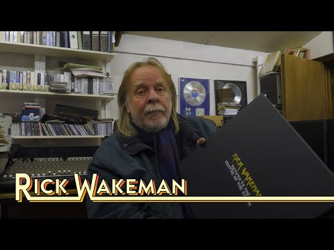 Rick Wakeman - Unboxes Return to the Centre of the Earth Deluxe Box Set