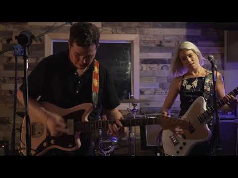 SURFER BLOOD Carefree Theatre Session - Parkland (Into The Silence)