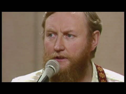 The Dubliners - Don't Get Married Girls