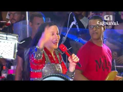 Claudia Leitte canta ''O Mundo Vai'' em Salvador - Carnaval 2020