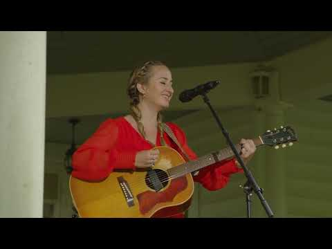Margo Price - Letting Me Down (CBS Saturday Morning)