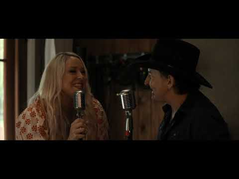 "Catherine Britt feat. Lee Kernaghan - ""Country Fan"" [Official Music Video]"