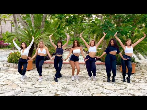 Now United Dancing to 'Calla Tú' by Danna Paola