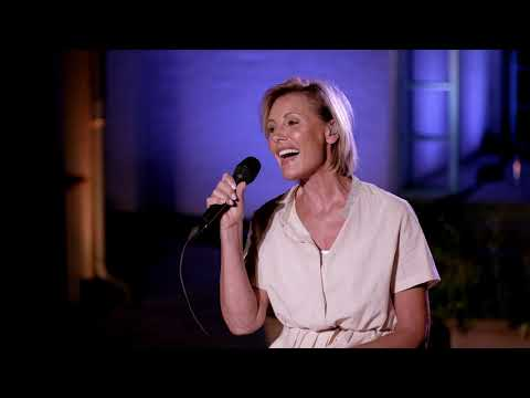 Dana Winner - Tell Me Why (LIVE From My Home To Your Home)