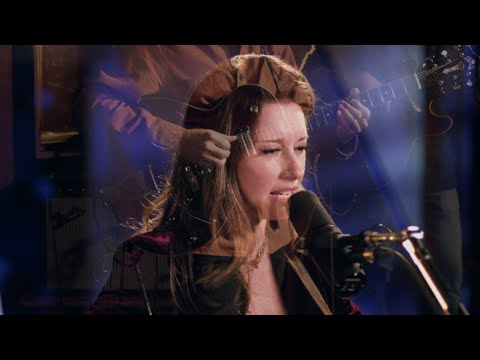 LERA LYNN // WHAT I'M LOOKING FOR // LIVE IN-STUDIO