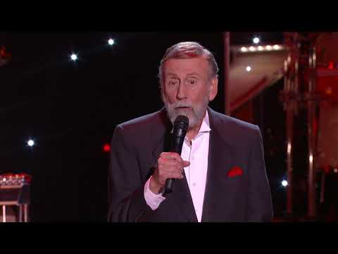 "Ray Stevens - ""When You're Hot, You're Hot"" (Live at the CabaRay)"