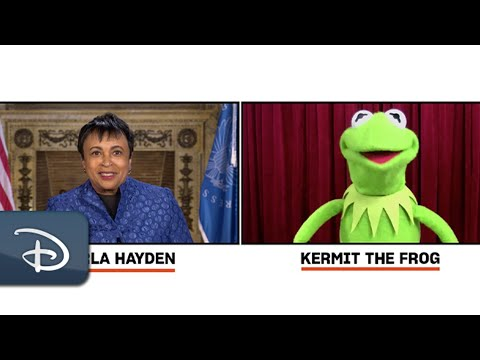 Kermit The Frog Interview With Librarian of Congress, Dr. Carla Hayden | Disney Parks
