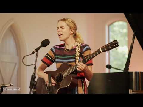 """Aoife O'Donovan - """"Porch Light"""" [Live]"""