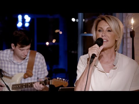 Dana Winner - Fields Of Gold (LIVE From My Home To Your Home)