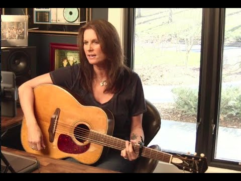 Terri Clark - The Highway (Official Video)