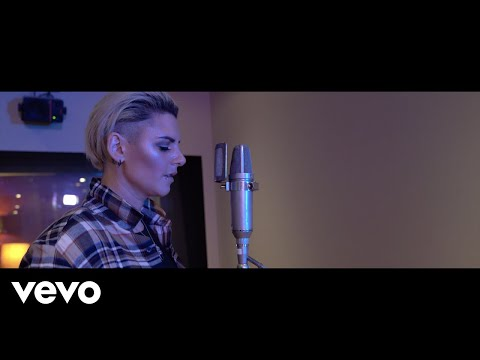 Christina Novelli - It'll End In Tears (Acoustic)