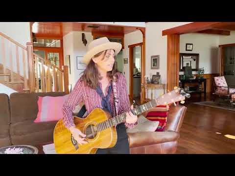 Susanna Hoffs - Manic Monday (Live Video Version)