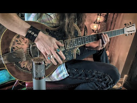 MULE KICKIN' BLUES • Foot Stompin' Slide Guitar