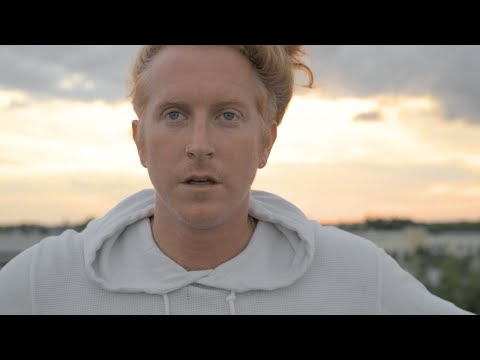 We The Kings - The Light (Stripped) [Official Music Video]