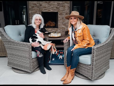 Miranda Lambert & Emmylou Harris talk about the joys of adopting a senior dog