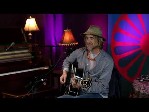 "Todd Snider - ""Sunday Morning Coming Down"" (Kris Kristofferson)"
