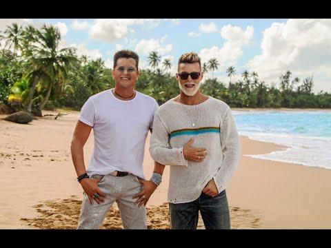 Carlos Vives & Ricky Martin - Canción Bonita (YouTube Redirect)
