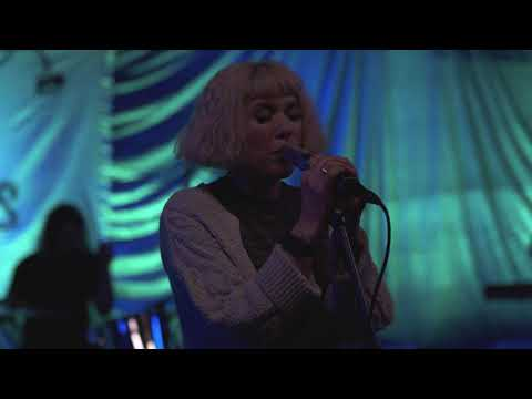 Grouplove - Close Your Eyes and Count to Ten [Live Performance]
