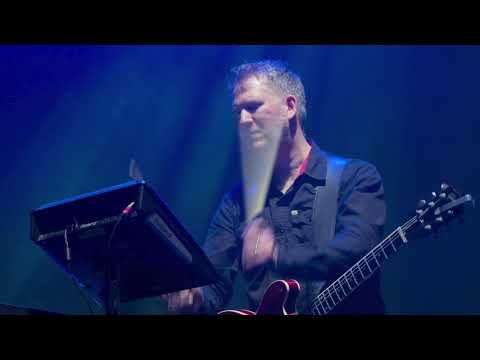 New Order - The Perfect Kiss (Live at Alexandra Palace)