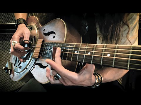 """SKINNY DIPPIN'"" • Back Porch Blues Guitar Fingerpicking"