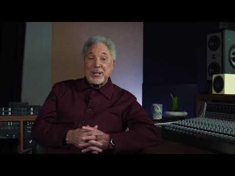 Tom Jones - Looking back - Kiss Music Video with The Art Of Noise