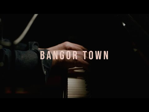 """Foy Vance - Bangor Town (Live from """"Hope In The Highlands"""" Concert Film)"""