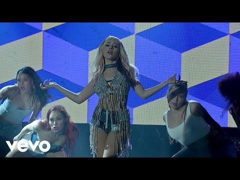 Danna Paola - Mala Fama (En Vivo Desde El Streamtime/ LiveStream)