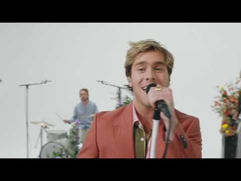 Benjamin Ingrosso - Smile (Music Video)