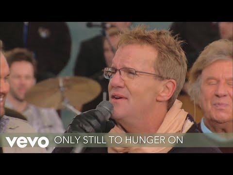 Gaither, Gaither Vocal Band - Satisfied (Lyric Video/Live On Zaandam Cruise Ship, AK/2011)
