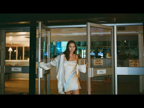Jasmine Thompson - already there (Official Video)