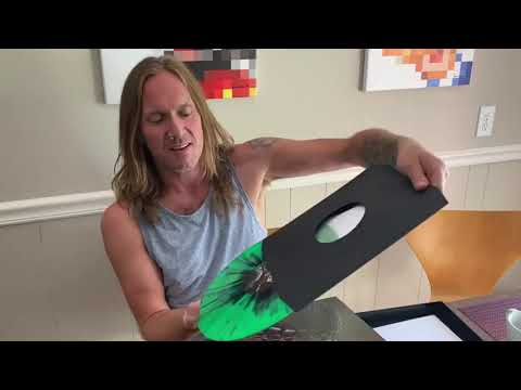 Too Mean To Die - VIP Box unboxing by Phil Shouse