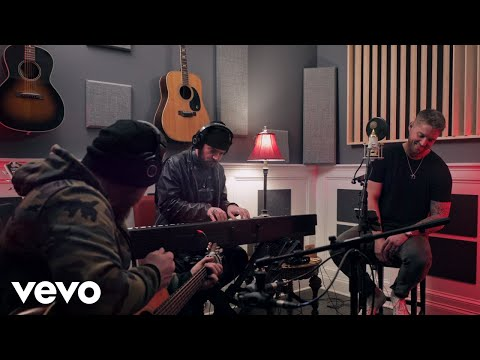Brett Young - Weekends Look A Little Different These Days (Acoustic)