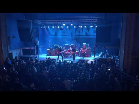 """Wayland plays """"Get A Little"""" live from The Apollo Theater"""