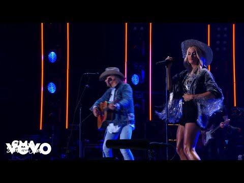 Carrie Underwood, Dwight Yoakam - Guitars, Cadillacs (Live From CMA Summer Jam 2021)