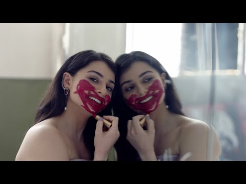 Maritta Hallani - Eza Feek Tensa (Official Music Video)   ماريتا الحلاني - إذا فيك تنسى