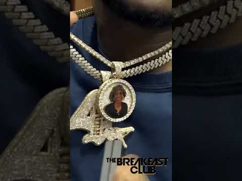 #Mozzy's chains be as real as his heart is folks 💯 Never a doubt 🗣 #TheBreakfastClub #Charlamagne