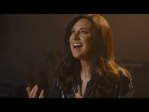 Meredith Andrews - Espacio Te Haré (Make Room) [Performance Video]