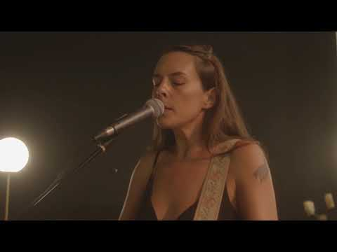 """Madi Diaz - """"Woman In My Heart"""" (Live at The Sanctuary)"""