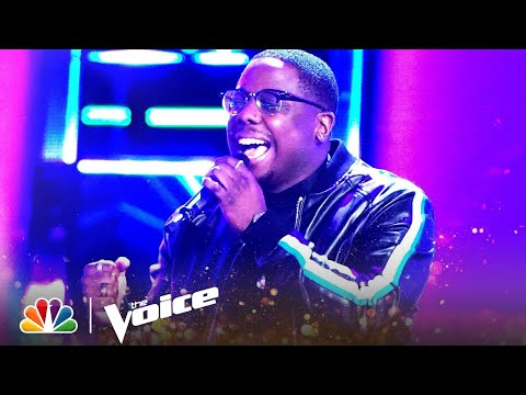 """Aaron Hines' Four-Chair-Turn Performance of """"Heartbreak Anniversary"""" 